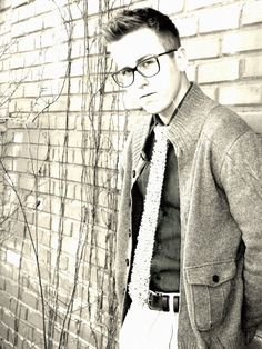 Hand Knitted Skinny Tie and Vintage Frame Glasses