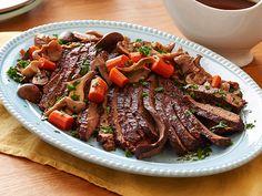 Slow Cooker Brisket with Brown Gravy Recipe : Sandra Lee : Food Network - FoodNetwork.com