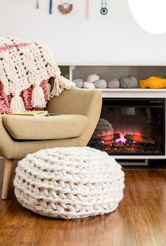 link to arm crocheted pouf pattern (download magazine)