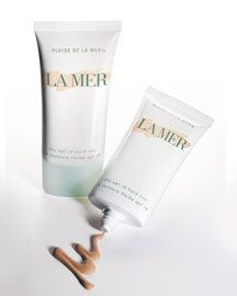 Love this tinted moisturizer! It looks very natural and it gives luminosity to skin.