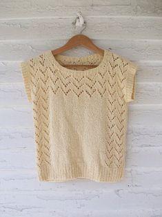 Blusa de tricô rendado para o verão