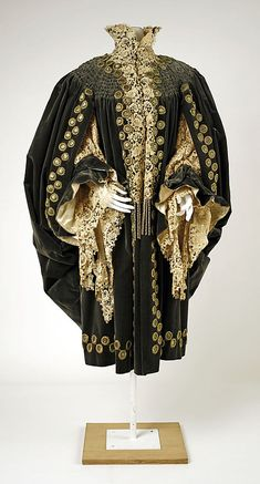 House of Worth, Evening Wrap, French,  c. 1905.