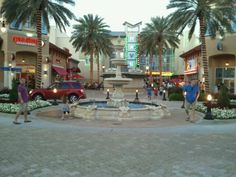 Destin Commons Mall is an awesome place to shop.