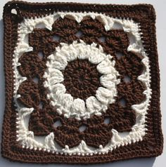 "Free pattern for ""Cocoa Puff Square"" by Melissa Green"
