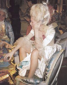 Kirsten Dunst on the set of Marie Antoinette ♣