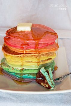 CoLoReD PaNCaKeS?!