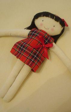 muñeca de rojo by las sandalias de ana, via Flickr