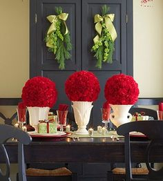 Easy Christmas table centerpieces