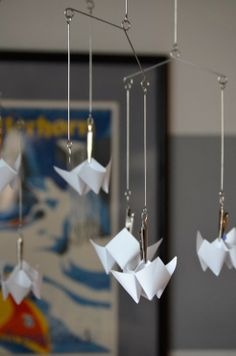 DIY // Faceted Baby Mobile by Meg Padgett from Revamp Homegoods baby mobiles, babi mobil