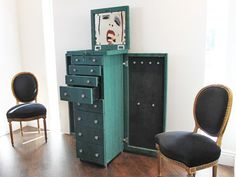 Elisabeth Weinstock's Luxembourg large mirrored jewelry case in painted anaconda.  UUUMMM WOW!!!! Love it!