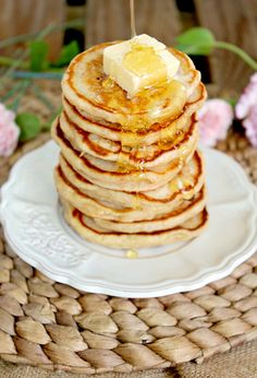 honey greek yogurt pancakes: so fluffy and thick that they'll soon become your new favorite pancake recipe!