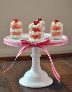 Mini sponge cake parfait