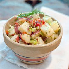 Lemon Dill Potato Salad - if you like vinegar-based potato salads, you'll love the freshness of this recipe, perfect alongside BBQ!