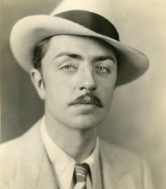 William Powell http://artdecoblog.tumblr.com/post/24610738643/hedda-hopper-blokes-in-the-twenties-william