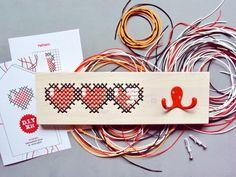 DIY kit cross stitch 8 bit hearts, by Etsy seller Stedi