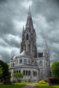 St. Fin Barre's Cathedral - Cork, Ireland Love the look of the sky, perfect backdrop for this pic.