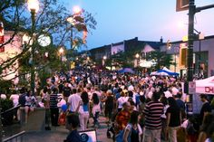 Check out the turnout at Downtown Oakville's Midnight Madness!