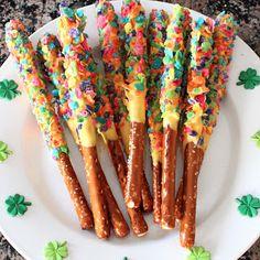 creativ christi, birthday parti, kidapprov treat, rainbow theme, rainbow pretzel, rainbows, rainbow parti, kid crafts, pretzels