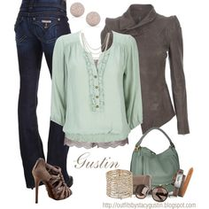 Mint and gray are so chic together:)