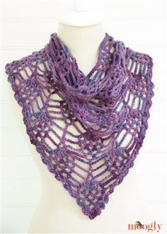 Quick and easy crochet lace cowl. Yes please! Berry Harvest Bandana Cowl - Media - Crochet Me