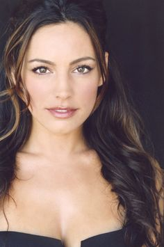 Kelly brook Headshot