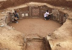 Famous for its Ancient Tombs Museum, Luoyang in China, is a popular destination for tourists and archaeologists alike.  But now there may be a bit more activity going on in the Henan Province city after a tomb was discovered thought to be 1,100 years old. Coins have been found which can be dated back to around 713AD, the Kai Yuan era, which saw Emperor Xuanzong of Tang (also known as Emperor Ming of Tang) rule for the longest period of time of the Tang dynasty.