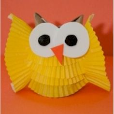 Cupcake Liner Owl Turn cupcake liners into a cute owl. More kids crafts at www.freekidscrafts.com