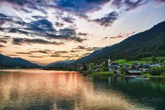 Enjoy a wonderful sunset at the Weissensee in Carinthia, Austria #austria #carinthia #weissensee #lake #sunset #summer #nature #visitaustria