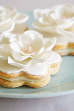 Lovely vanilla sandwich cookies.