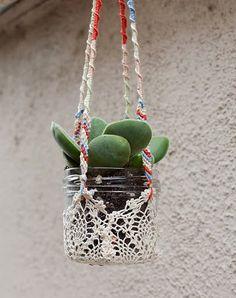 Las Teje y Maneje: YARN & CROCHET PLANTERS