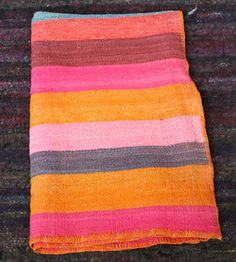 // Vintage Peruvian Blanket - great colours