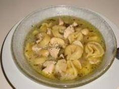 Receita de Sopa de capeletti Fonte: http://tudogostoso.uol.com.br/receita/23107-sopa-de-capeletti.html#