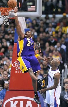 8 VIDEOS: Lakers vs. Clippers (Bryant, 42 Pts vs. Paul, 33 Pts)