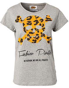 Fashion Pirates T-shirt - Black Book