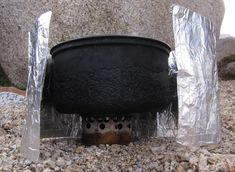 Make Your Own: Fancy Feast Stove ... so cheap, easy, and effective!  I need this!