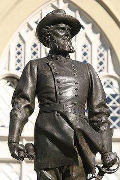 "Gen. Thomas J. ""Stonewall"" Jackson's statue at V.M.I."