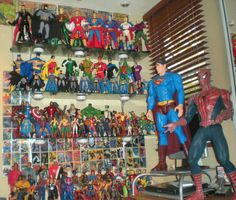 Google Image Result for http://2.bp.blogspot.com/_2kjisMm3M9Y/Skeg_XfHCLI/AAAAAAAAJNU/pcwWw-IT65A/s400/action-figures-toy-collection-photos.gif action figur, toy collect, toy box, awesom toy, vintag toy