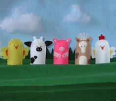 Farm Animals Finger Puppets Set - Chick Rooster Cow Pig Horse.