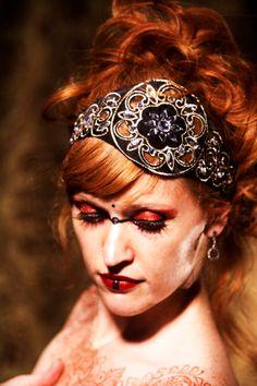 Beautiful headpiece by Brandy Grey of Vauntville.