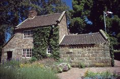 Captain Cook's cottage in Melbourne Royal Botanical Gardens. #melbourne #victoria #australia