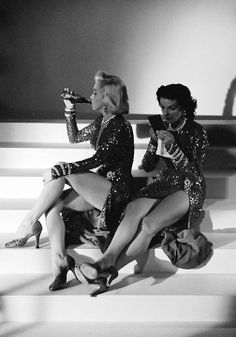 """Marilyn and Jane Russell on set of """"How To Marry a Millionaire""""."""