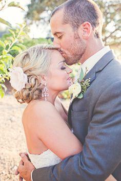 wedding , bride and groom, grey , pink  Photography By / lindseygomes.com