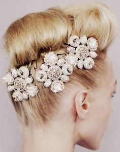 jewelled hair accessories via Pretty Parisian / Wedding Style Inspiration / LANE (PS Follow us on instagram: the_lane)