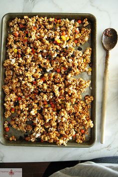 Halloween Caramel Corn - How fun to make & give out at Halloween!