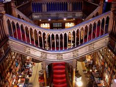 Another view of the interieur of the bookstore Lello in Porto. Photography by stukinha Flickr.com