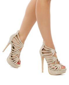 Nayela Sandal