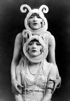 twin, funny hats, halloween costumes, vintage, pearls, flapper, 1920s, dolli sister, burlesqu