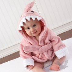 hooded robe. so darn cute.