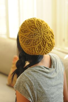 March Beret // Quince and co. Love this color and pattern.