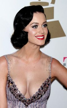 Katy Perry hair-styling
